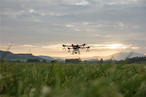 为春耕生产提供机械化支持:各地加快实施农机补贴政策